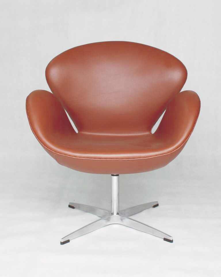 Arne Jacobsen Swan Chair Brown Italian Leather DS333